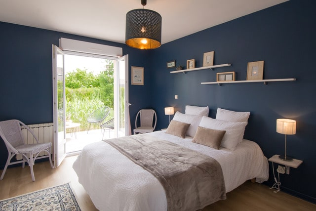Chambre bleue accès terrasse rez-de-chaussée Gîte du Puit Des GRanges Faux Vesigneul